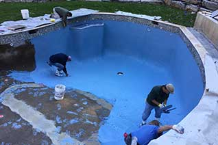 Eastern Aquatics plastering a swimming pool in NY